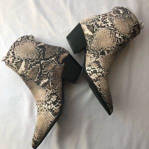 NIB. Snakeskin print pointed toe booties